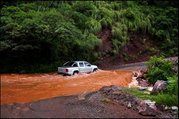 voiture à Salta pluie