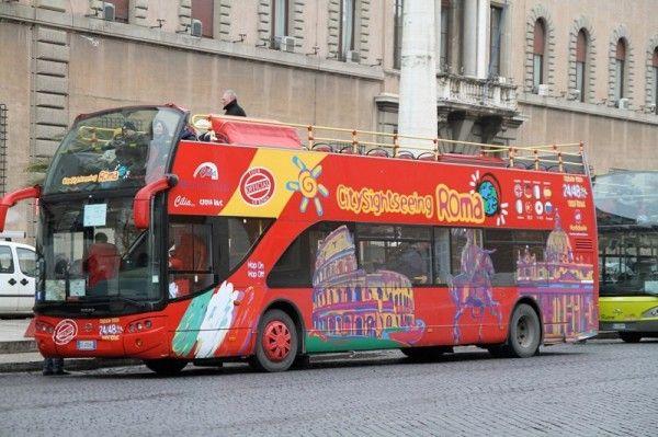Bus touristique de Rome