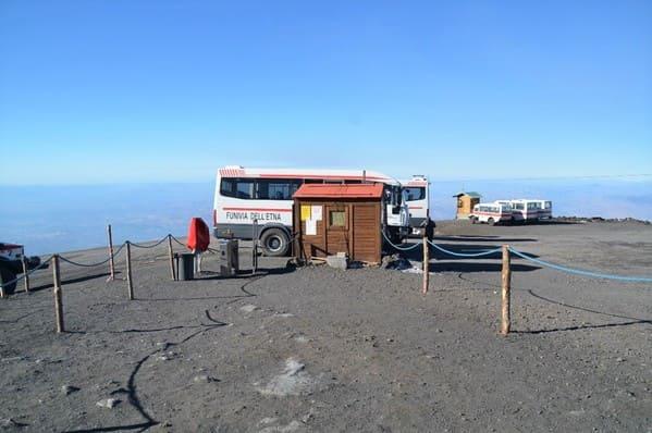 Départ des minis bus avec guide