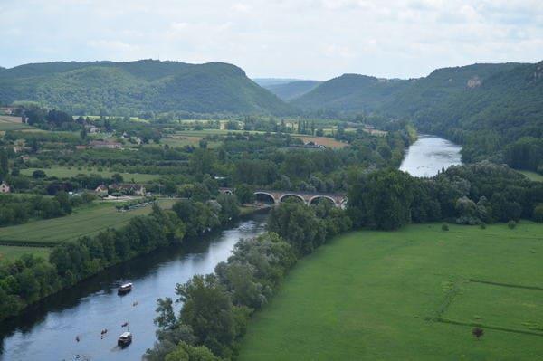 Vue sur la Dordogne depuis un chateau
