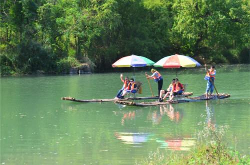 Bateau en bambou rivière li