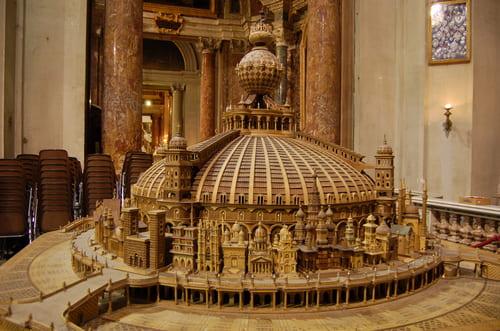 Maquette en bois église