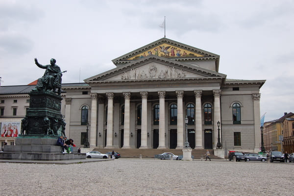 Opéra sur la Max Joseph Platz