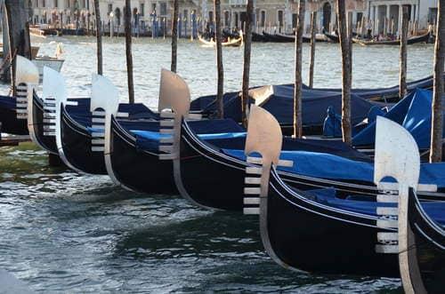 Gondoles bateaux venise