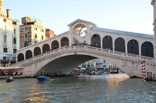 Pont célèbre de Venise
