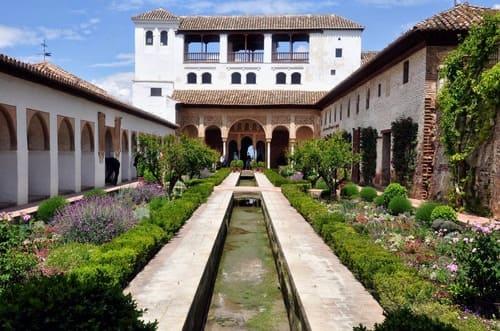 Generalide fontaines et jardins