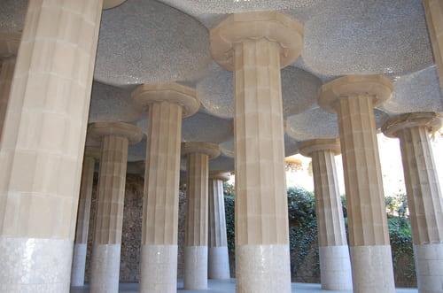 colonne du marché du parc Guell