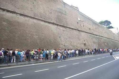 File d'attente pour le musée du Vatican