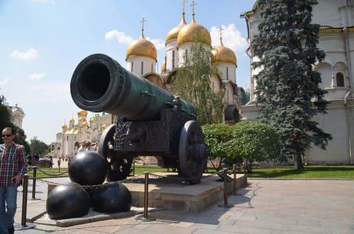 Gros canon dans le Kremlin