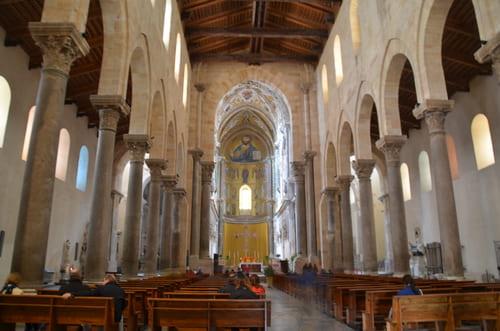Intérieur visite eglise Cefalu