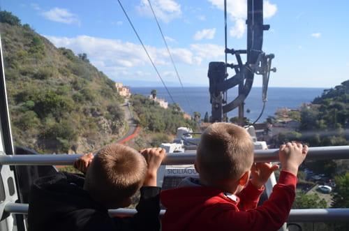 Taormina montée télé cabine