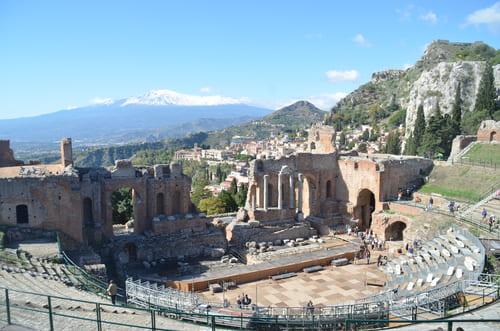 Vue sur l'Etna depuis Taormina