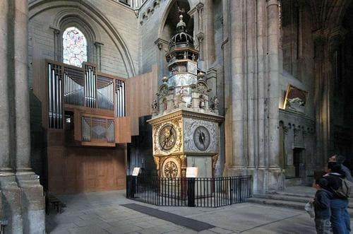 Horloge astronomique vieux Lyon