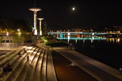piscine du rhône la nuit