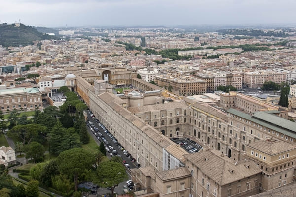 Vue sur le musée Vatican depuis la basilique
