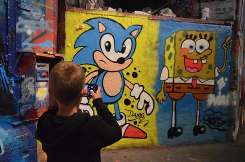 graphiti street art