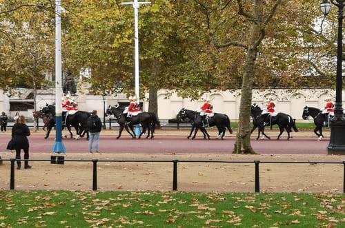 Rel_ve garde cavaliers Londres
