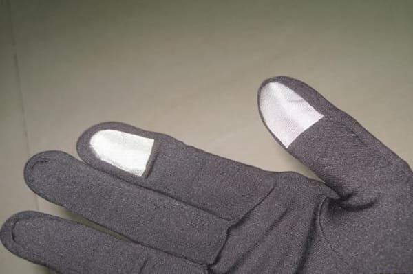 Sous gants tactiles pour smartphones