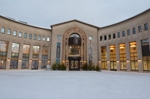 Entrée du musée Arktikum de rovaniemi