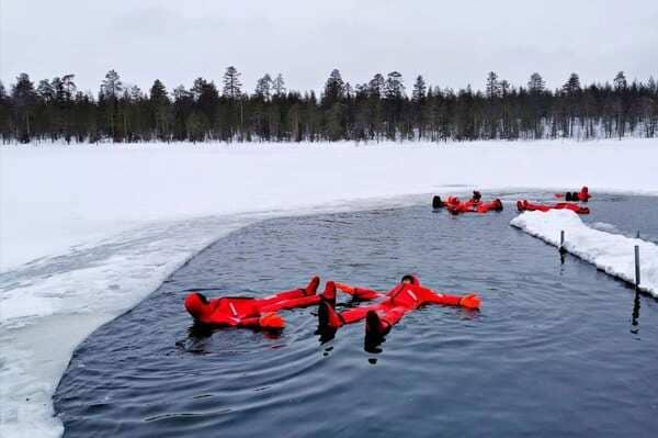 Baignade dans eau glacée