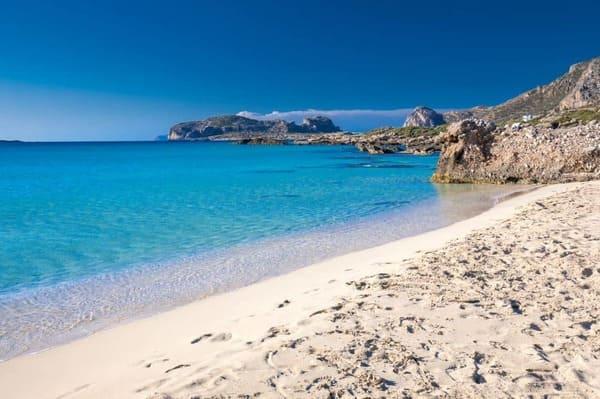 plage sable blanc en Crete, falasarna