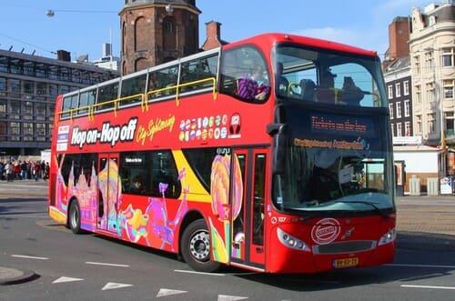 Bus touristique à Amsterdam