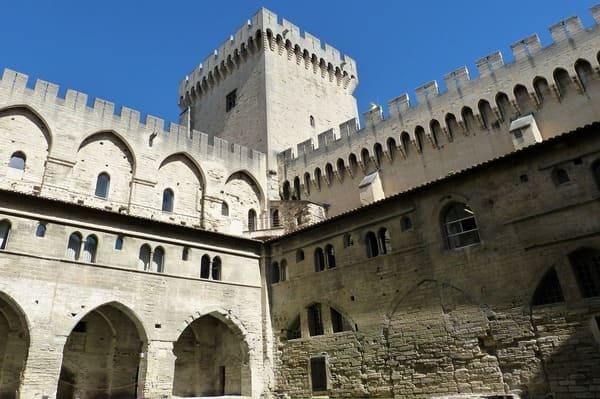 comment visiter le palais des papes