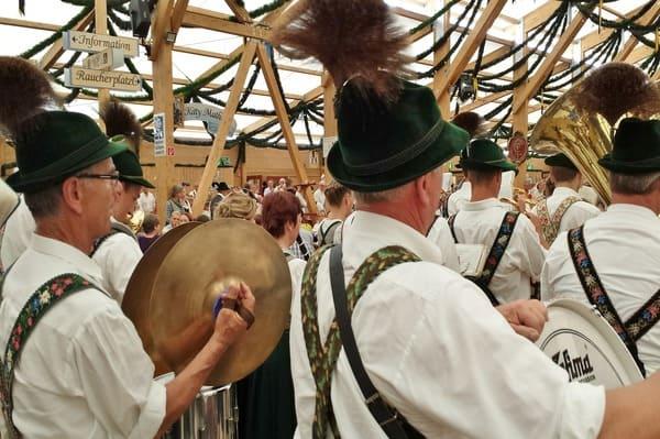 Tente avec musique fete de la bière Munich