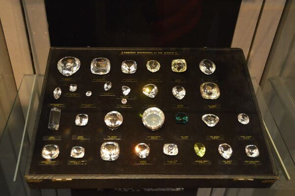 Plein de diamants à voir