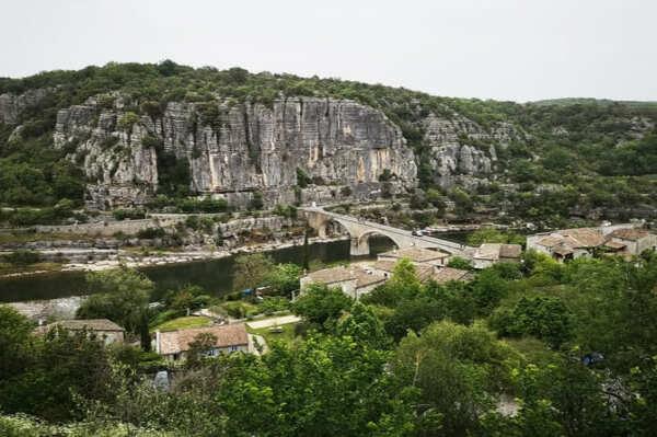 Visite de village en Ardèche